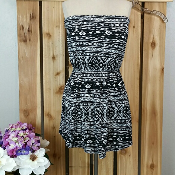 Billabong Dresses & Skirts - Billabong Strapless Mini Dress